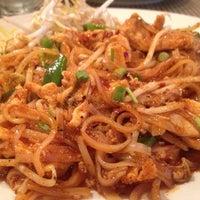 Photo taken at Lemon Grass Thai Kitchen by Katrina Eireen M. on 9/27/2014