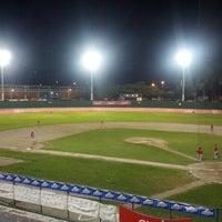 Foto tomada en Estadio Chochi Sosa por Astrid R. el 10/27/2012