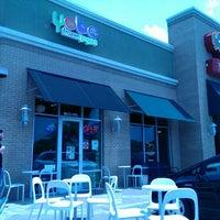 Photo taken at Yobe Frozen Yogurt by Johnny H. on 5/25/2014