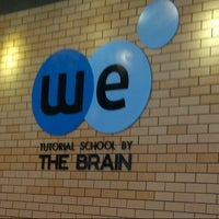 Photo taken at We by The Brain (โรงเรียนกวดวิชา วี บาย เดอะเบรน ) by WRIIS on 4/22/2013