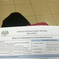 Photo taken at Jabatan Pendaftaran Negara JPN by lynne j. on 11/2/2015