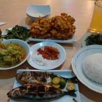 Photo taken at Raja Oci Restaurant by Heidy B. on 6/25/2014