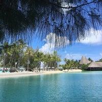 Photo taken at Le Méridien Bora Bora by Hitomi N. on 1/6/2017