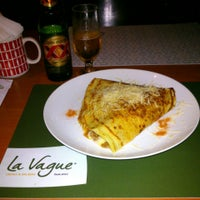 Photo taken at Bercy Village - Crepes e Saladas by Carlos C. on 6/14/2013