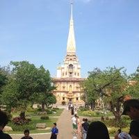 Photo taken at วัดไชยธาราราม (วัดฉลอง) Wat Chalong by Sai L. on 7/27/2012