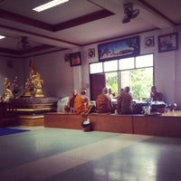 Photo taken at วัดศรีทวี by Natsara M. on 11/29/2012