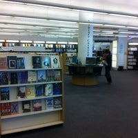 Photo taken at Queens Library by Luke C. on 9/21/2013
