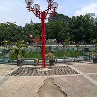 Photo taken at Alun-Alun Kota Malang by Ridwan W. on 12/28/2012