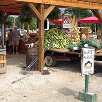 Photo taken at Smith Farm Market by nANCY S. on 7/30/2014