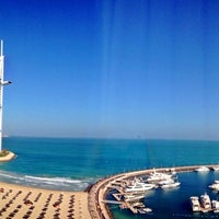 Photo taken at Jumeirah Beach Hotel by Rhiomy on 5/24/2013