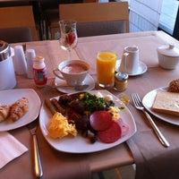 Photo taken at Mercure Hotel Stuttgart Böblingen by Карина Р. on 11/20/2012