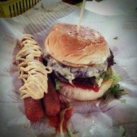Photo taken at Burger Bakar Abang Burn by Juju S. on 2/24/2013
