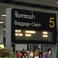 Photo taken at Baggage Claim 5 by Kityaporn C. on 9/13/2015