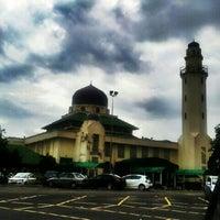 Photo taken at Masjid Al-Hasanah by Saru Y. on 1/20/2013