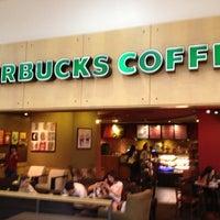 Photo taken at Starbucks by Genival Q. on 11/28/2012