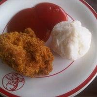 Photo taken at KFC by Nurul Aini U. on 9/13/2013