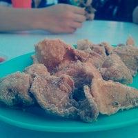 Photo taken at Sungai Pinang Food Court (檳榔河) by Nicole on 3/3/2013