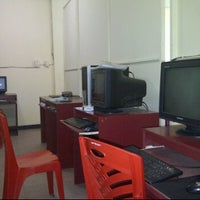 Photo taken at Internet Labs, SPS Computer by Syahadi D. on 1/5/2012