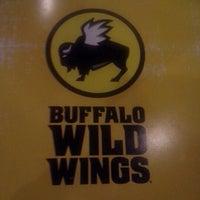 Photo taken at Buffalo Wild Wings by Frankie T. on 9/22/2012