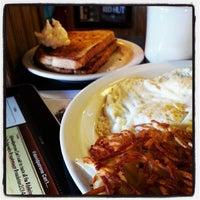 Photo taken at Red Hut Café Nevada by DavidPatrone P. on 1/1/2014