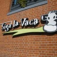 Photo taken at Siga La Vaca by Fernando P. on 12/17/2012