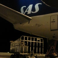 Photo taken at Gate 39 by Carl-Johan M. on 11/21/2012
