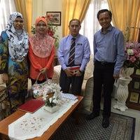 Photo taken at Sekolah Sultan Alam Shah (SAS) by Zakir J. on 8/8/2016