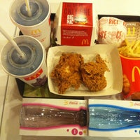 Photo taken at McDonald's by Titi Anggara on 5/21/2013