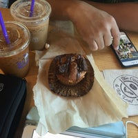 Photo taken at The Coffee Bean & Tea Leaf by Cocöy a. on 5/21/2016