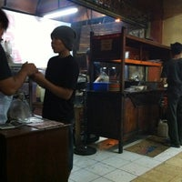 Photo taken at Sate Ayam Ponorogo Pak Seger by Andrie W. on 10/13/2012