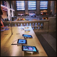 Photo taken at Apple Grand Central by DiMc on 7/8/2013
