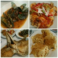 Photo taken at D'Cost Seafood by Spring S. on 11/27/2016