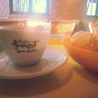 Foto tirada no(a) Belleus Lanches por Walter C. em 11/24/2012