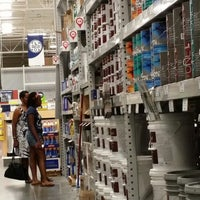 Photo taken at Lowe's Home Improvement by LaMont'e B. on 5/26/2014