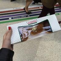 Photo taken at Krispy Kreme by 🐰 on 5/14/2015