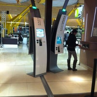 Photo taken at McDonald's by Quique L. on 12/29/2012