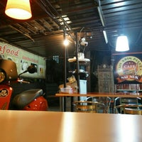 Photo taken at Nai Nuk Seafood Restaurant by Euphoria H. on 11/12/2015