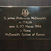 Photo taken at McDonald's by Rodrigo D. on 10/24/2012