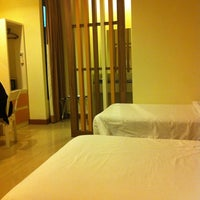 Photo taken at Imm Hotel Thaphae by Panida K. on 11/4/2014