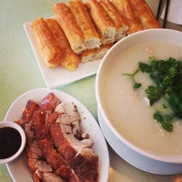 Photo taken at Congee Queen 皇后名粥 by Erik R. on 7/18/2013