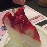Photo taken at Reuben's Restaurant Delicatessen by Marina F. on 2/5/2015