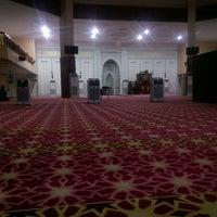 Photo taken at Masjid Ridzwaniah by Afiq A. on 10/7/2016