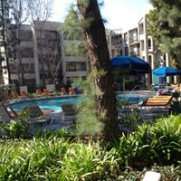 Photo taken at Howard Johnson Anaheim Hotel and Water Playground by Jennifer M. on 3/10/2013