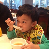 Photo taken at Kirin Seafood Restaurant 麒麟海鮮酒家 by Jennifer N. on 3/21/2013