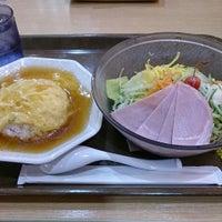 Photo taken at 京都ラーメン春陽堂 つかしん店 by Izumi T. on 6/17/2014