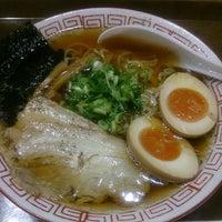 Photo taken at 京都ラーメン春陽堂 つかしん店 by Izumi T. on 8/22/2013