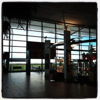 Photo taken at Brisbane International Terminal by Ratna Dewi Y. on 2/21/2013
