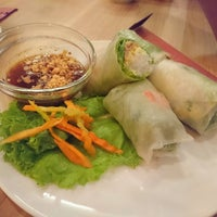 Photo taken at Do An Vietnamese Experience by Andrea G. on 10/9/2016