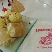 Photo taken at Swensen's by Joanna T. on 8/24/2015