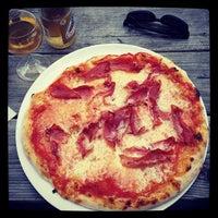 Photo taken at Pizza Hatt by Jens J. on 8/12/2014
